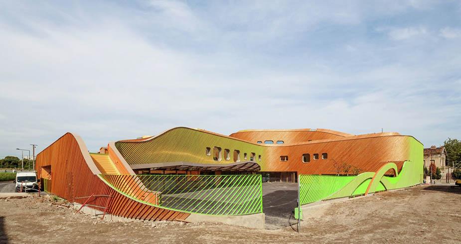 школа в Сен-Дени от Paul le Quernec